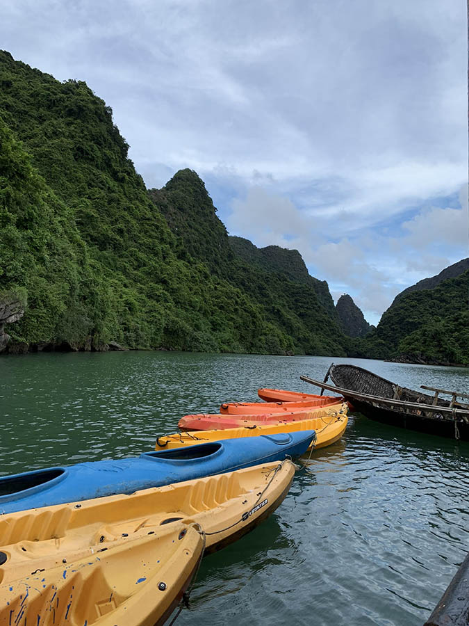 Halong Bay - Kayaks